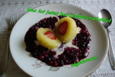 Erdbeer-Wichtel mit Beerengrütze und Vanillesauce - Rezept