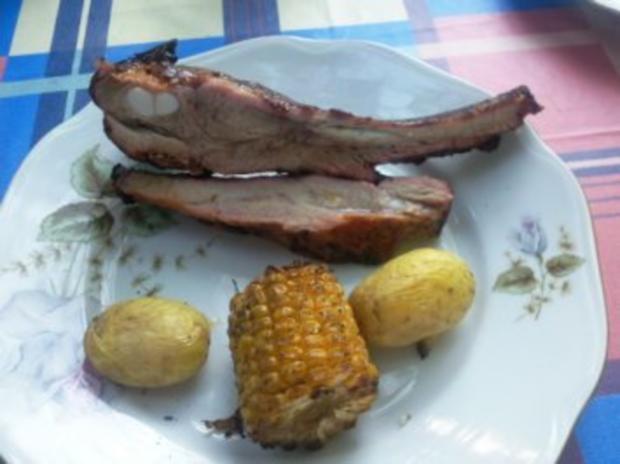 Daves Spareribs im neuen -Stil mit Folienkartoffeln und Zuckermais und Salat - Rezept - Bild Nr. 2