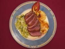 Entenbrust auf Apfel-Lauch-Sahne mit grünem Pfeffer an Süßkartoffelgratin - Rezept