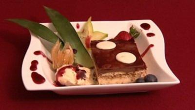 Kuchen à la Ines mit Bourbon-Vanilleeis und arabischem Mocca (Ines Redjeb) - Rezept