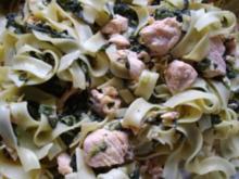 Bandnudeln mit Lachs und Blattspinat - Rezept