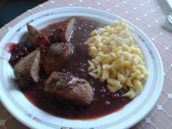 Wildschwein-Medaillons in Preiselbeer-Rotwein-Sauce - Rezept
