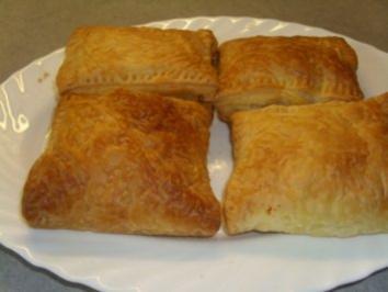 Pikante Kuchen: Blätterteigtaschen herzhaft gefüllt - Rezept