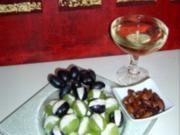 Gefüllte Weintrauben mit gerösteten Mandeln - Rezept