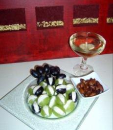 Rezept: Gefüllte Weintrauben mit gerösteten Mandeln