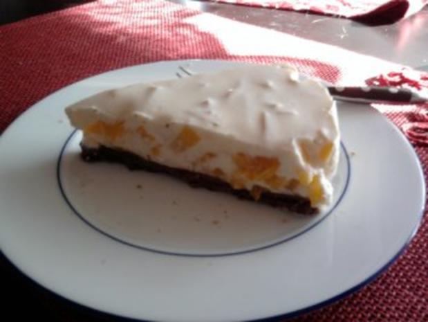 Fruchtige Frischkäse Torte mit Pfirsich - Rezept