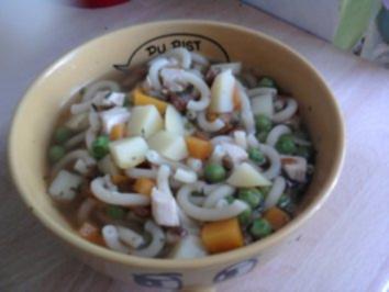 Leichte Sommersuppe mit Nudeln und Gemüse - Rezept