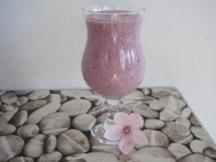 Heidelbeermousse mit Limette - Rezept