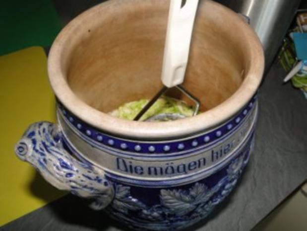 Spitzkohlsalat mit Möhren und Paprika         (Foto) - Rezept - Bild Nr. 8