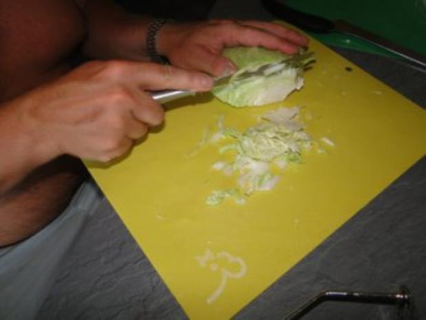 Spitzkohlsalat mit Möhren und Paprika         (Foto) - Rezept - Bild Nr. 4