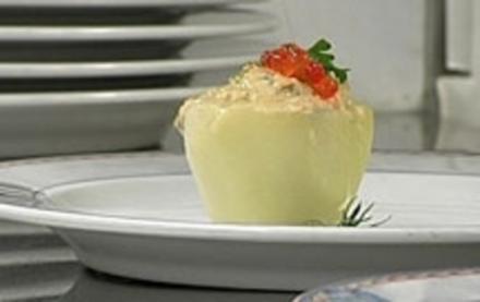 Kohlrabi mit Lachs und rotem Kaviar - Rezept