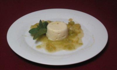 Grießflammerie auf Apfel-Rhabarber-Bett - Rezept