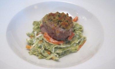Kalbsfilet mit Bärlauchkruste und Estate Pasta - Rezept