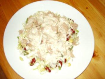 """Frischer """"knackiger"""" Rohkostsalat mit Thunfisch und Senfdressing - Rezept"""