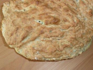Zwiebel- oder Schinkenbrot - Rezept