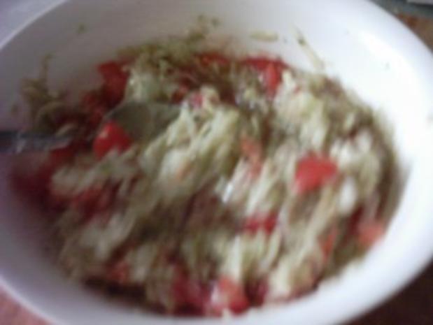 Tomaten-Gurkensalat zum Abendbrot - Rezept - Bild Nr. 2