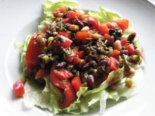 Bohnen auf Eisbergsalat mit Tomaten-Dressing - Rezept