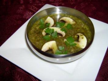 Klare Gemüsesuppe mit Champignons - Rezept