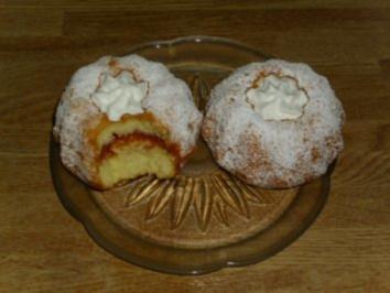 Biskuit-Mini-Gugelhupfe - Rezept