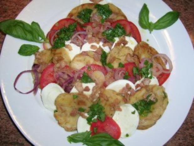 Salat von der Knödelrolle- mediterran angehaucht, echt lecker und keine Restaurantportion - Rezept