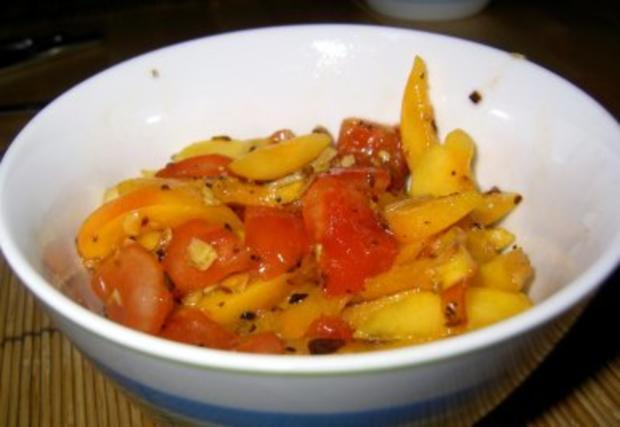Tomaten-Aprikosen-Salat - Rezept