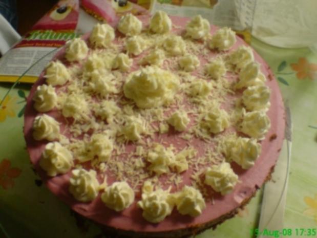 Brombeer-Kuppel-Torte - Rezept