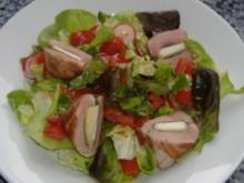 Schweinefilet mit Ziegenkäse und Bacon auf Sommersalat in Tomatenvinaigrette - Rezept