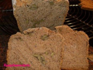 Brot: WEIZENVOLLKORN mit Oliven - Rezept