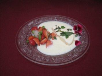 Erdbeer-Spargelsalat mit Parfait von der weißen Schokolade - Rezept