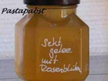 Sektgelee mit Rosen - Rezept