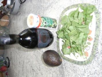 Avocadoaufstrich mit Rucola - Rezept