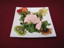 Salat mit Hähnchen und Früchten - Rezept