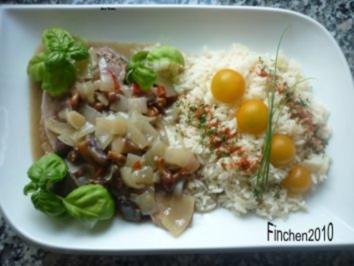 Putenkeule mit Waldpilzen in Calvados-Zwiebelrahm an Reis - Rezept