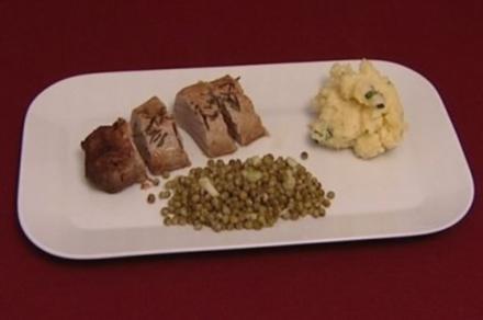Schweinefilet aus dem Ofen mit Erbsen  (Brigitte Nielsen) - Rezept