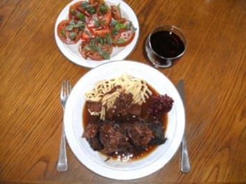 Fleisch: Rinderbäckchen mit Steinpilzen und Preiselbeeren - Rezept