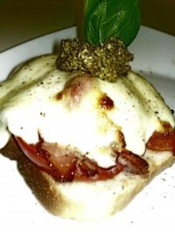 Baguettes mit Tomate Mozzarella Kaviar und  Basilikum Pesto - Rezept - Bild Nr. 2