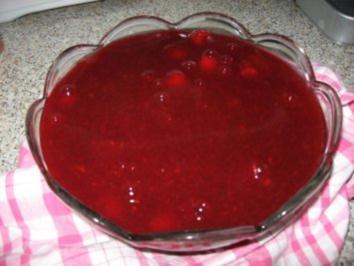 Rote Grütze mit Josta - Rezept
