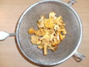 Pilze: Pfifferlinge putzen - Rezept