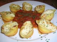 Conchiglioni N° 240  mit Ricotta-Käsefüllung auf Tomaten Sugo - Rezept