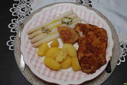 Schwein - Spargel mit Schnitzel und Kräuterbutter - Rezept