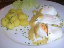 pochierte Eier in Senfsauce, Salzkartoffeln, Salat - die gute alte Uralt-Küche von Oma - Rezept