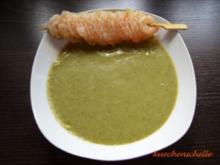 Zucchini-Mangold-Suppe mit Garnelenspieß - Rezept