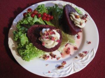 Rotweinbirne mit Gorgonzolacreme und Serranoschinken - Rezept