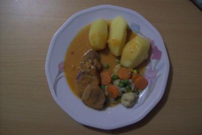 Putenbrust mit karamelisierte Karotten und Oreganopürre - Rezept