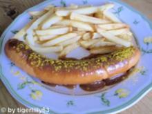 Currywurst mit Pommes frites - Rezept