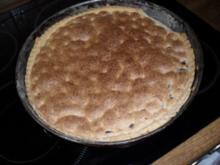 Sauerkirschkuchen mit Mandelguss - Rezept