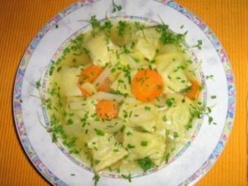 Maultaschensüppchen mit Gemüseeinlage - Rezept
