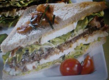 Rezept: Camembert-Sandwich mit Bacon