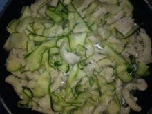 Putenfilet mit Zucchininudeln - Rezept