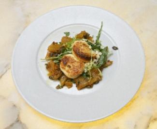 Ziegenkäse auf Kürbis-Rucola-Salat - Rezept